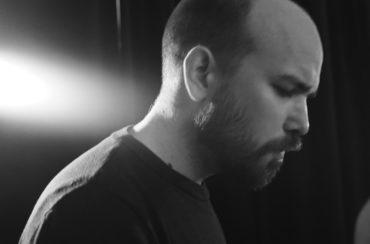 "Volker Heuken Sextettvideo performance of ""Siblings"""